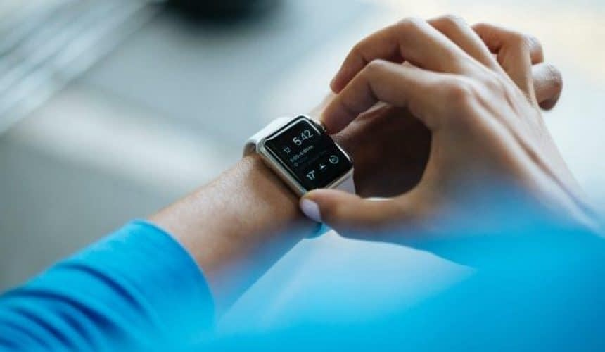 wearable-tech-for-healthcare-700x408